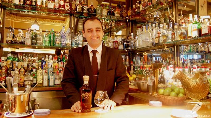El bartender Javier Rufo, de coctelería Bar Cock (Madrid)