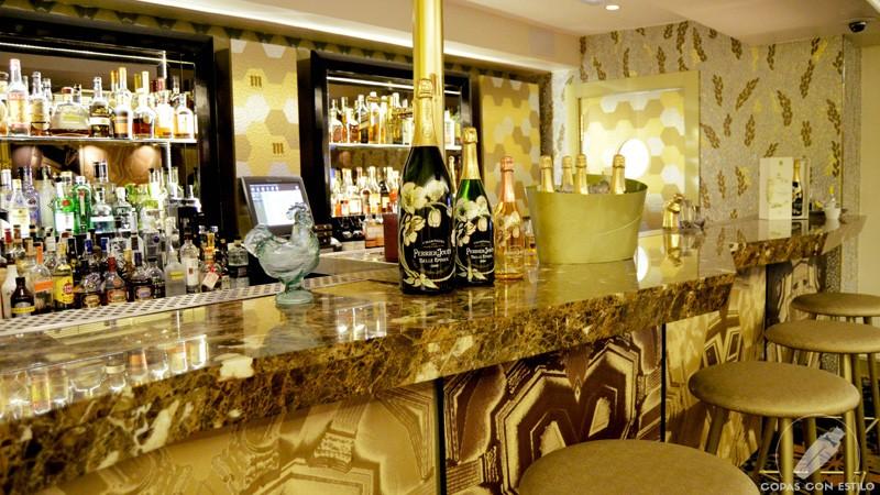 Barra de coctelería de Columbus Bar (Madrid)