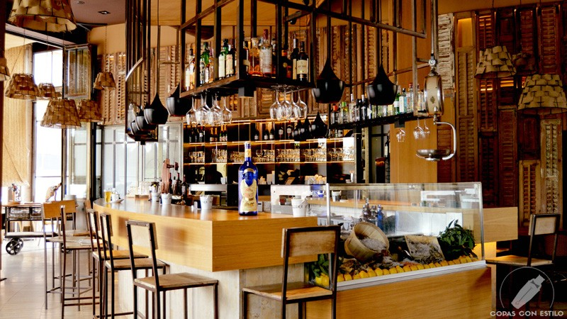 Barra de coctelería de Barbillón Oyster (Aravaca, Madrid)
