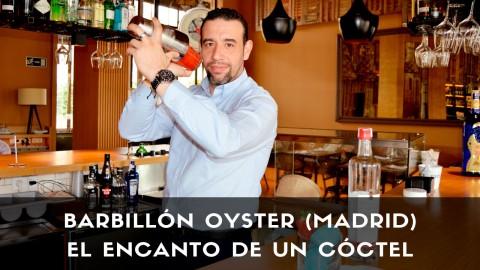 El bartender Juan Jesús Calderón, responsable de coctelería de Barbillón Oyster (Madrid), con la coctelera