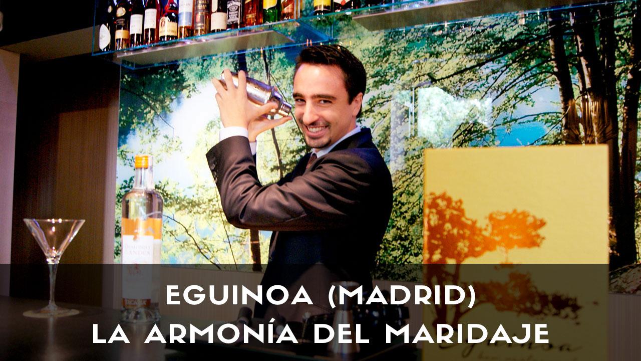 El sommelier Lai Rueda, de Eguinoa (Madrid) con la coctelera