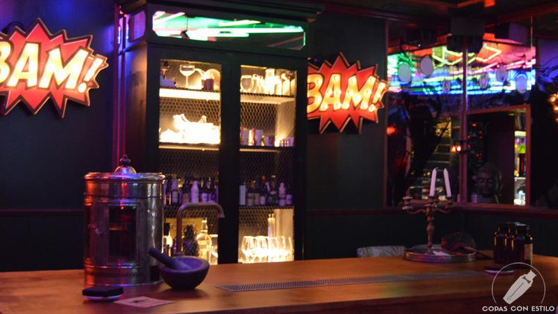 La Mesa del Barman, en Coctelería Salmon Guru (Madrid)