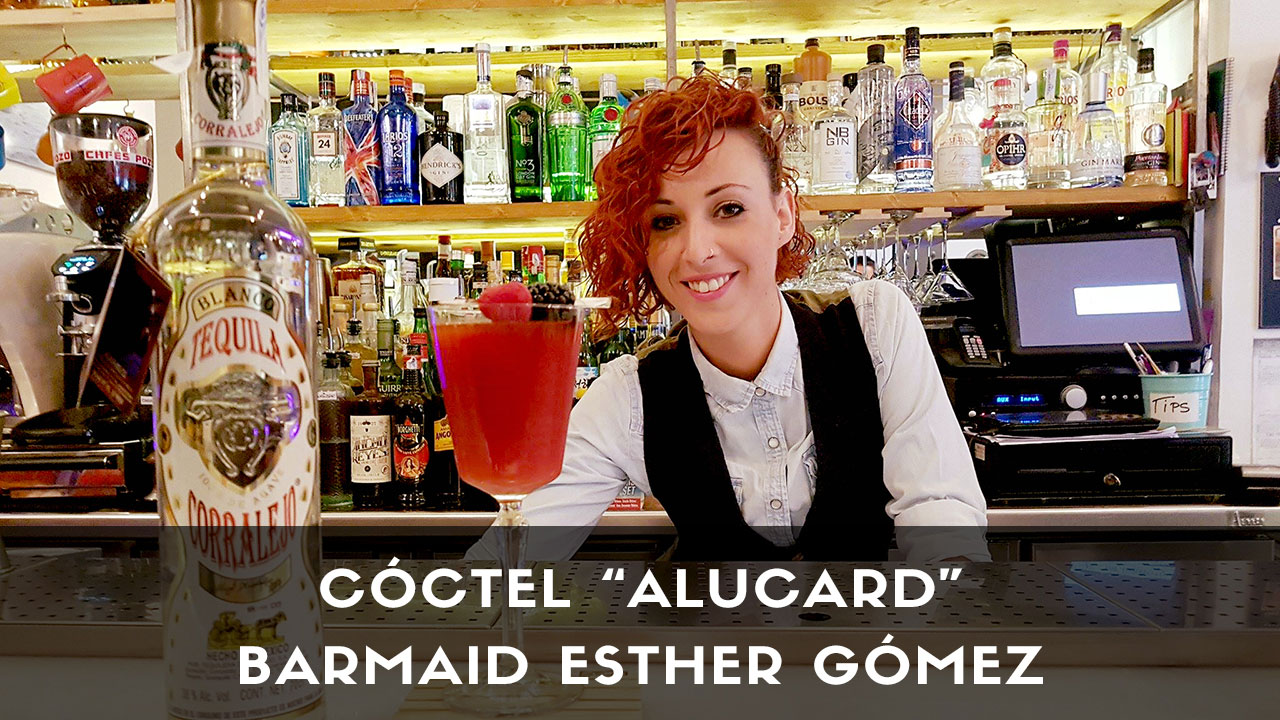Cóctel con tequila, de la barmaid Esther Gómez en coctelería The Traveller (Madrid)