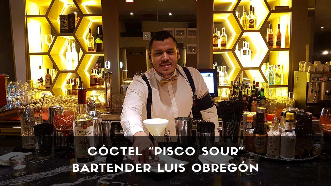 Cóctel Pisco Sour del bartender Luis Obregón en la coctelería de Japanese Club (Madrid)