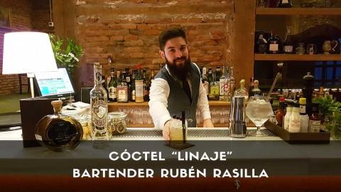 Cóctel con tequila del bartender Rubén Rasilla en la coctelería de Casa Alicia (Madrid)