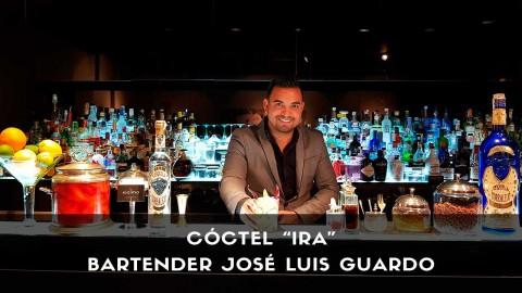 Cóctel con tequila del bartender José Luis Guardo en la coctelería Kialma (Madrid)