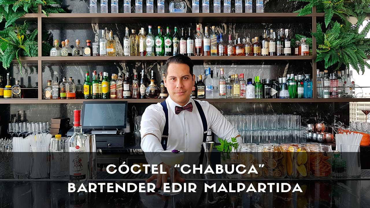 Cóctel con pisco del bartender Edir Malpartida en la coctelería Ginkgo Sky Bar (Madrid)