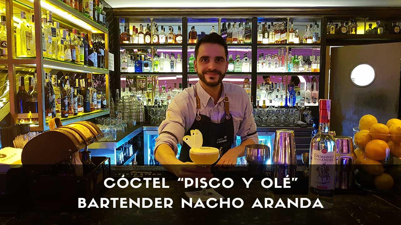 Cóctel con pisco del bartender Nacho Aranda en la coctelería El Palco de Platea (Madrid)