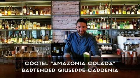 Cóctel con cachaça del bartender Giuseppe Cardenia en la coctelería de Rubaiyat (Madrid)
