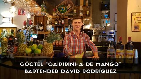 Cóctel Caipirinha de Mango del bartender David Rodríguez en la coctelería de Vila Brasil (Madrid)