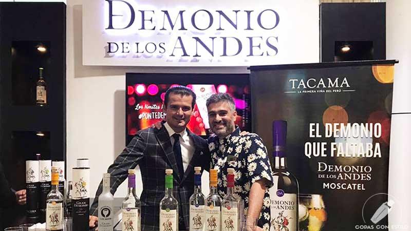 Los bartender Diego Cabrera y Erik Lorincz en el Congreso de Coctelería Clase Maestra presentando Pisco Demonio de los Andes