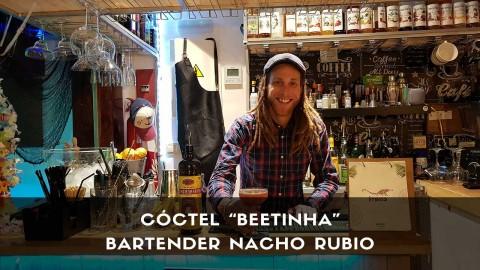 Cóctel con cachaça del bartender Nacho Rubio en la coctelería Étnico (Madrid)
