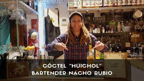 Cóctel con mezcal del bartender Nacho Rubio en la coctelería Étnico (Madrid)