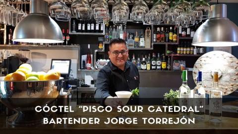 Cóctel Pisco Sour Catedral del bartender Jorge Torrejón en la coctelería de Kechua (Madrid)