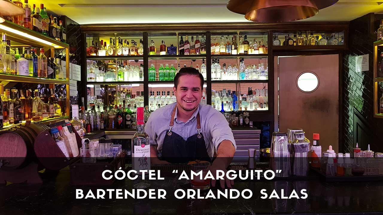 Cóctel con pisco del bartender Orlando Salas en la coctelería de Platea (Madrid)