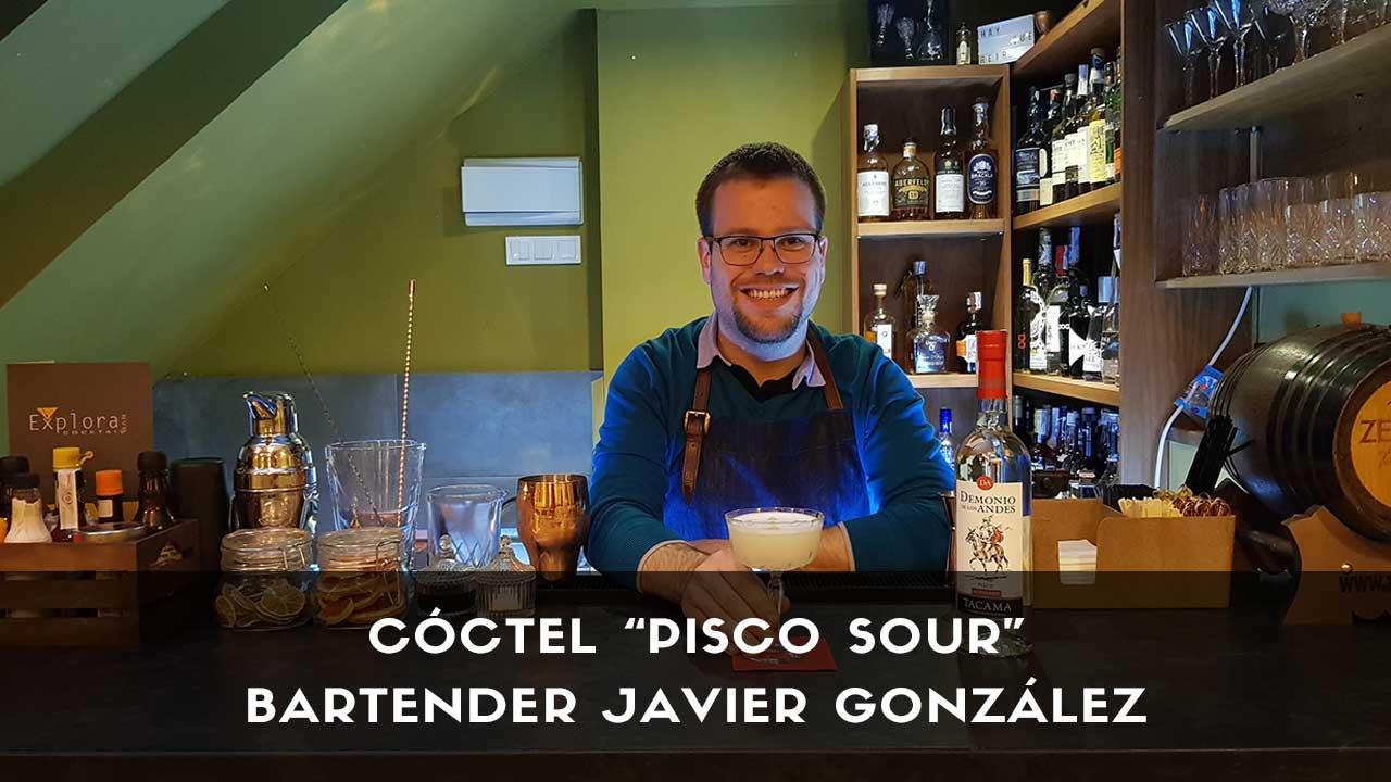 Cóctel Pisco Sour del bartender Javier González en la coctelería Explora (Madrid)