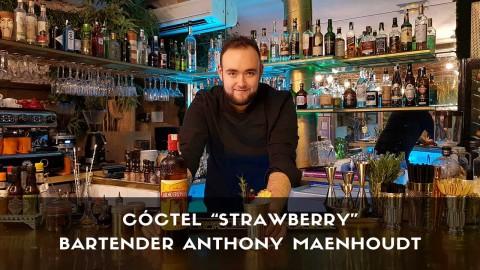 Cóctel con cachaça del bartender Anthony Maenhoudt en la coctelería de Amargo (Madrid)