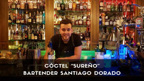 Cóctel con pisco del bartender Santiago Dorado en la coctelería de Miranda (Madrid)