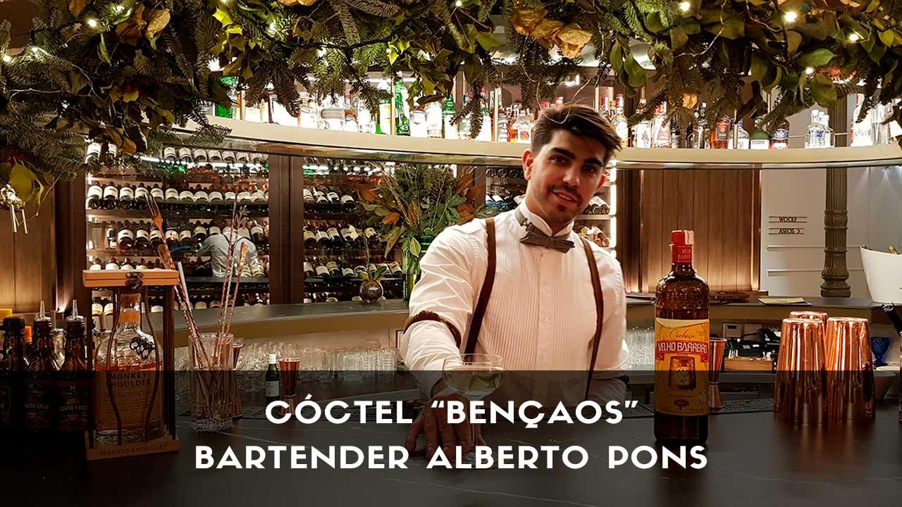 Cóctel con cachaça del bartender Alberto Pons en la coctelería del Gran Hotel Inglés (Madrid)