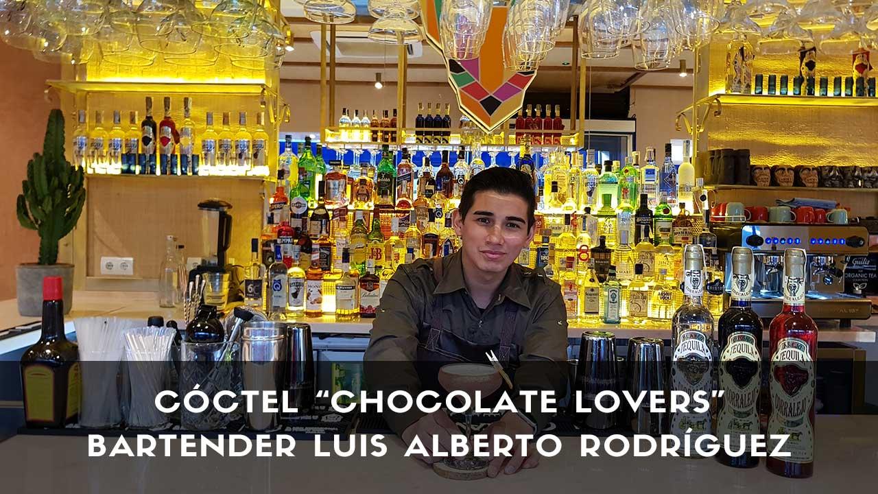 Cóctel con tequila del bartender Luis Alberto Rodríguez en la coctelería de Chihuahua (Madrid)