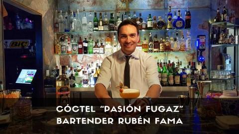 Cóctel con cachaça del bartender Rubén Fama en la coctelería La Villana (Madrid)