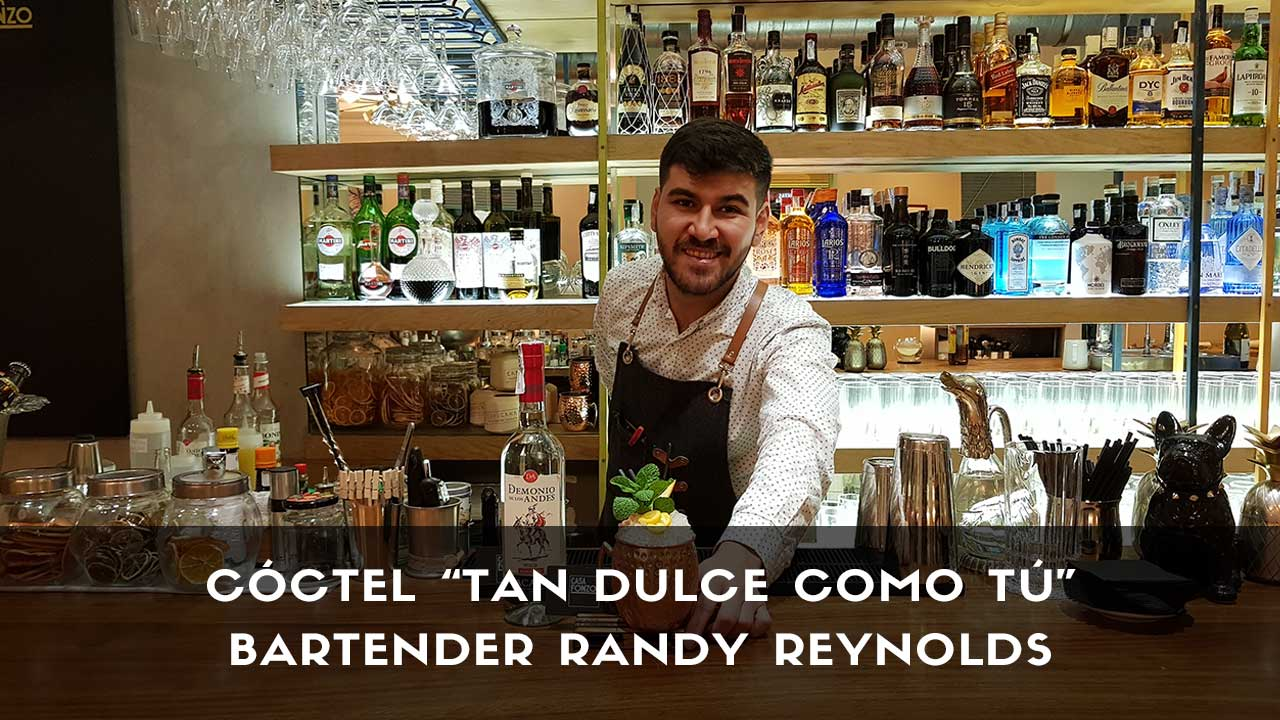 Cóctel con pisco del bartender Randy Reynolds en la coctelería de Casa Fonzo (Madrid)