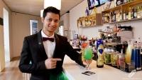 Joel Khan, bartender de 90 Grados (Madrid), presentándonos su cóctel New 90 Degrees