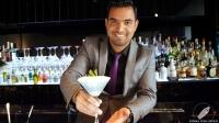 José Luis Guardo, bartender de Kialma Cocktails & Drinks (Madrid), presentándonos su cóctel Lujuria