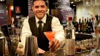 """Javier Albino Payano, bartender de La Cevicuchería (Madrid), nos elaboró el riquísimo cóctel """"Amor Ardiente"""""""