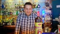 El fantástico bartender de La Villana (Madrid) Diego Macedo