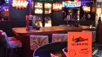 La zona de la mesa del barman, perfecta para experimentar con la coctelería